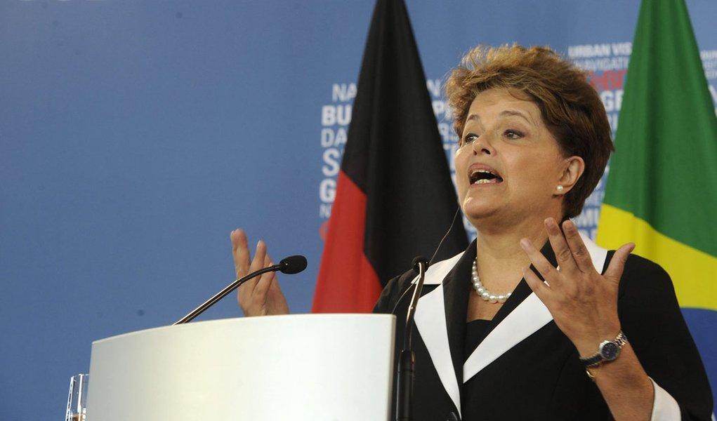 Dilma: crise europeia afetou crescimento do Brasil