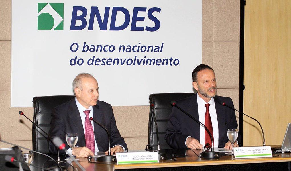 Mantega reúne pesos-pesados da economia para transmitir otimismo
