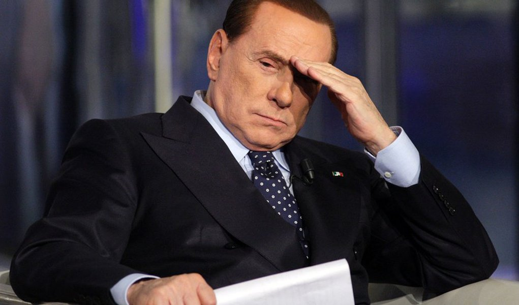 Berlusconi é condenado a 4 anos de prisão por fraude fiscal
