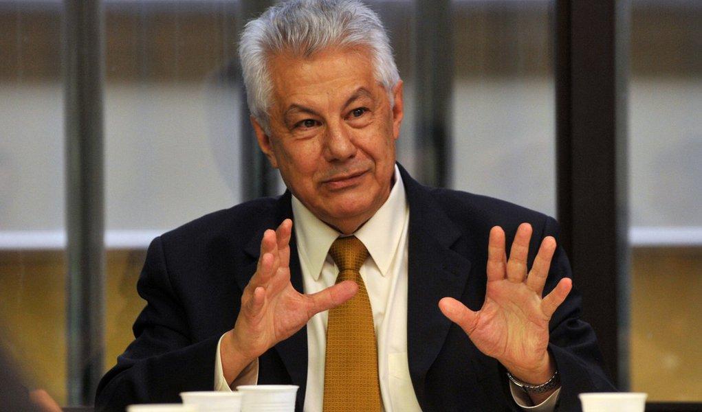 Chinaglia é o novo líder do governo na Câmara