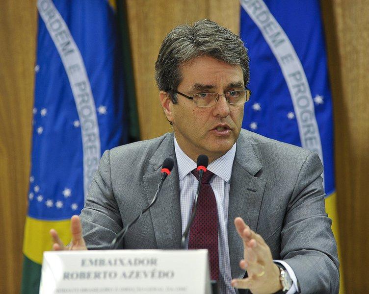 UE parabeniza Azevêdo e pede liderança forte