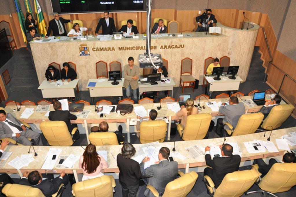 Câmara aprova novamente reajuste da passagem de ônibus para R$ 2,45