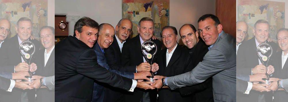 Marin é homenageado pelo presidente da Conmebol
