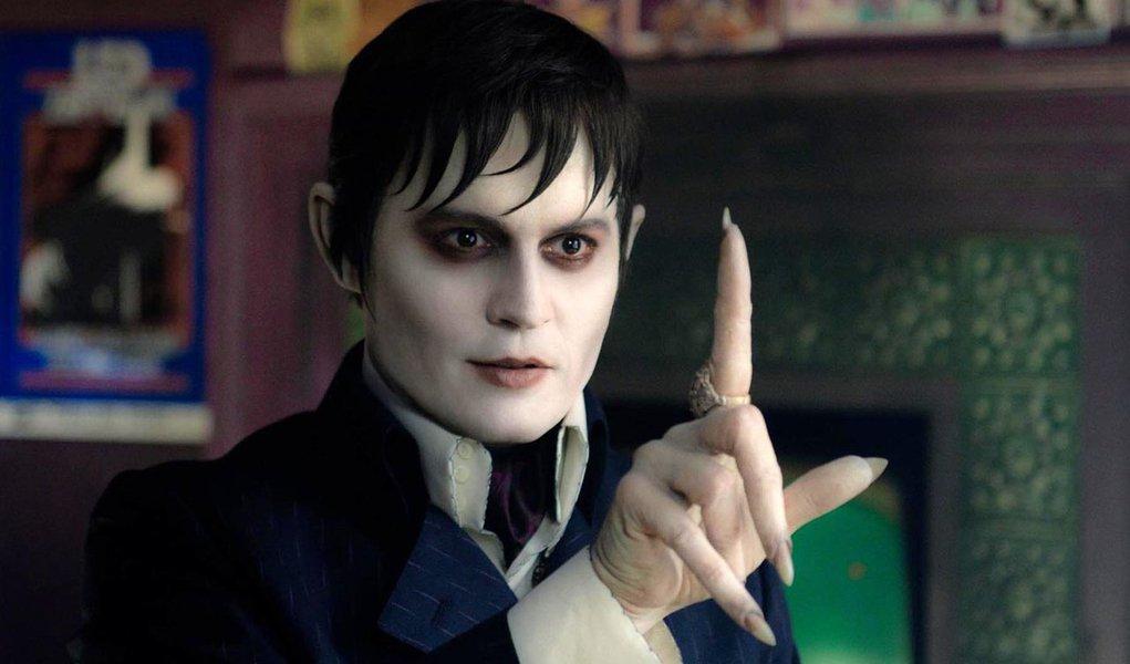 "Tim Burton divulga trailer de ""Sombras da Noite"""