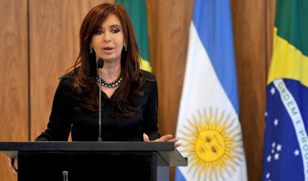 Cristina Kirchner descarta desvalorização do peso