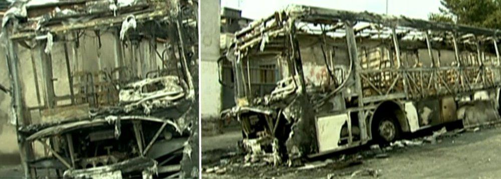 Ônibus são atacados na zona leste da capital