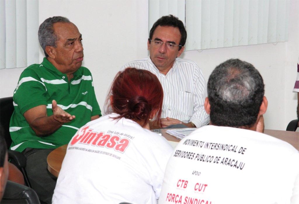 João cria mesa de negociação, mas não resolve greve dos médicos