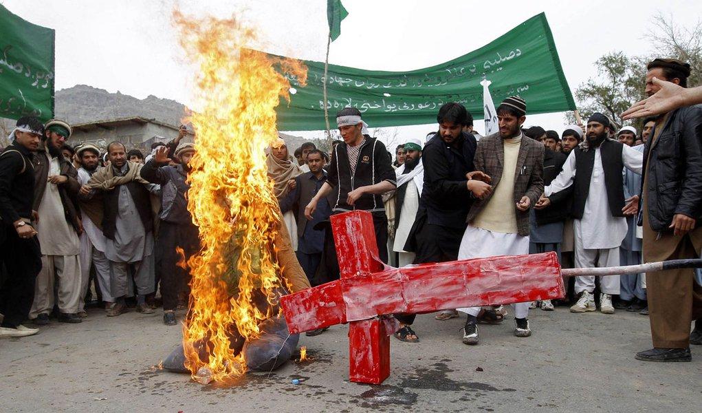 Delegação que apura massacre no Afeganistão é atacada