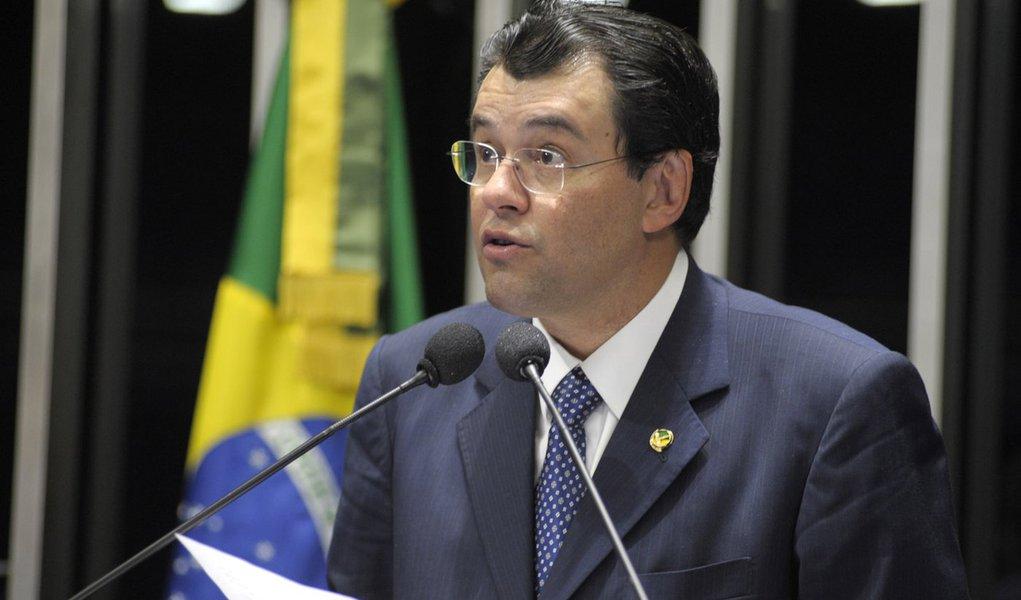 Braga vai substituir Jucá na liderança do governo
