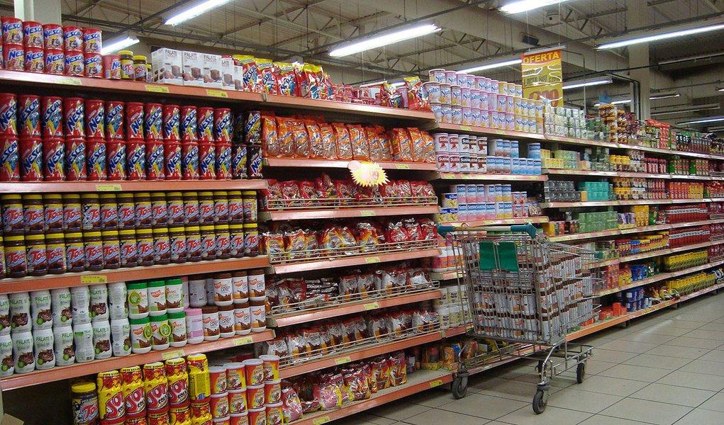 IPC-S tem queda e fecha abril com inflação de 0,52%
