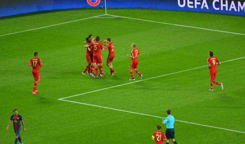 Bayern humilha Barcelona e chega à final da Liga