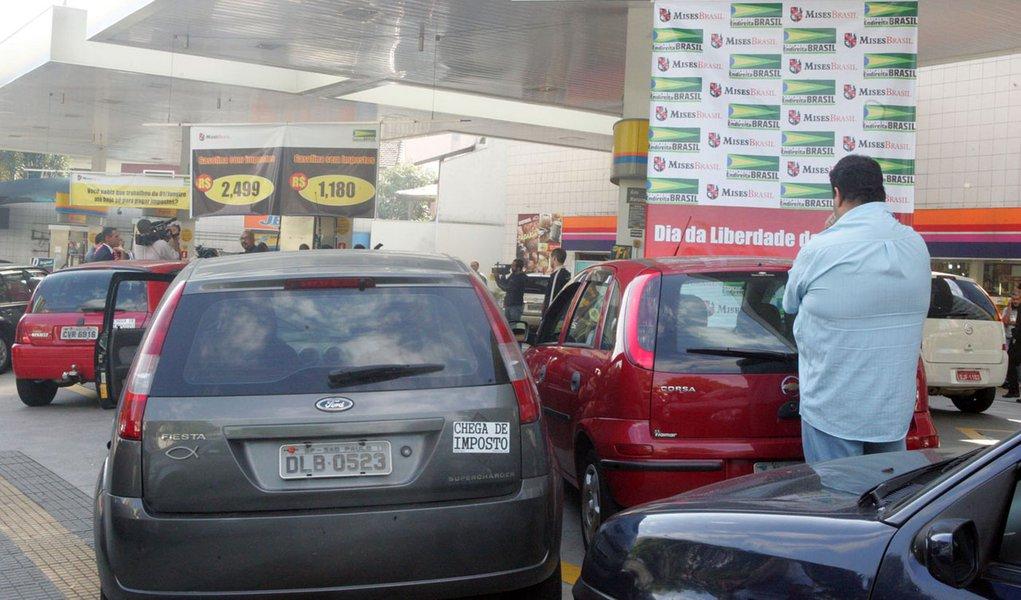 Cerca de 90% dos postos de SP já têm combustível