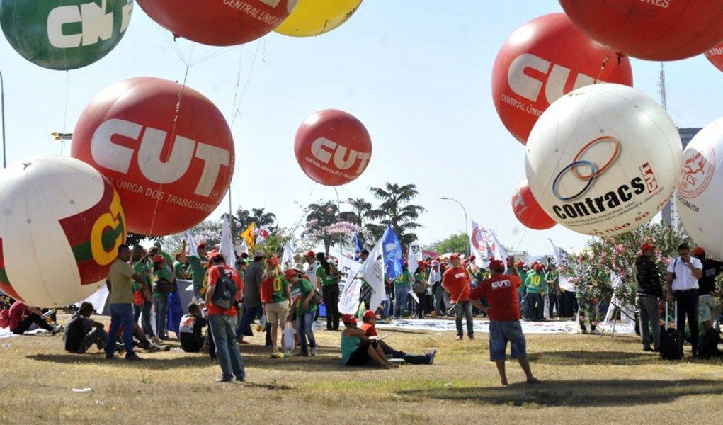 Governo marca nova reunião com centrais sindicais