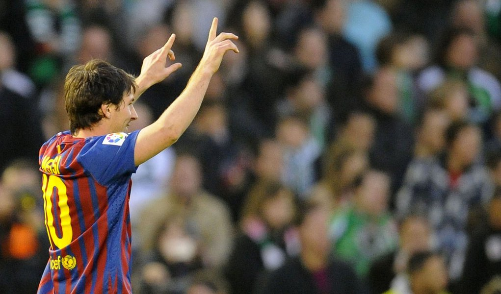 Messi continua fazendo história