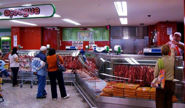 A carne se tornou alimento proibitivo na mesa dos trabalhadores