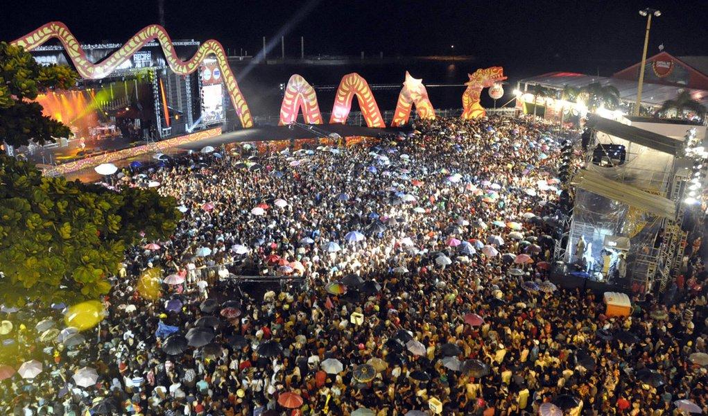 Carnaval injetou  R$ 773,6 mi na economia do Estado