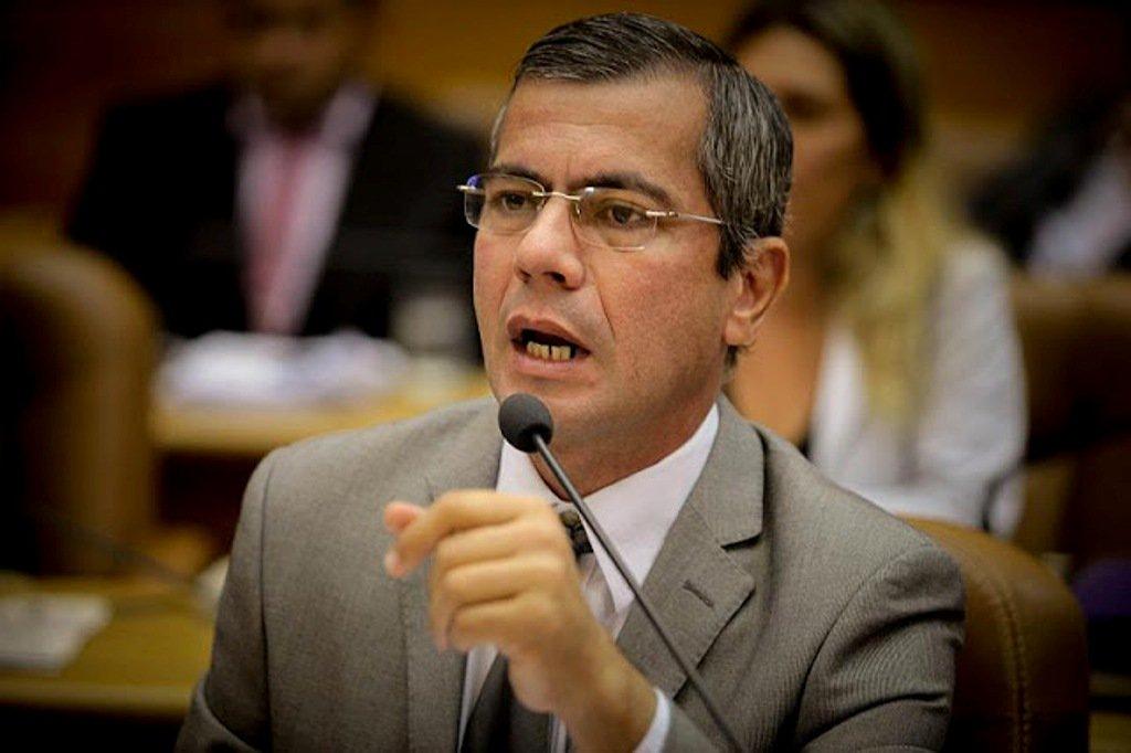 """Iran Barbosa: """"há vereadores reacionários, com saudades da ditadura"""""""