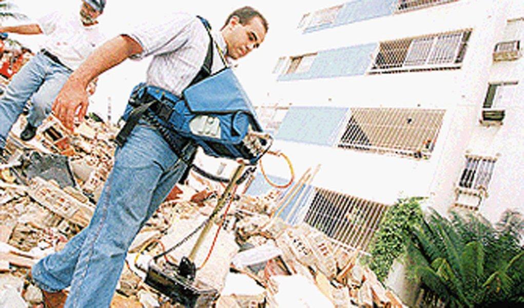 Justiça mantém pena de engenheiros de prédio que desabou em Olinda