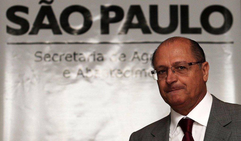 Alckmin dá bronca em secretários durante evento