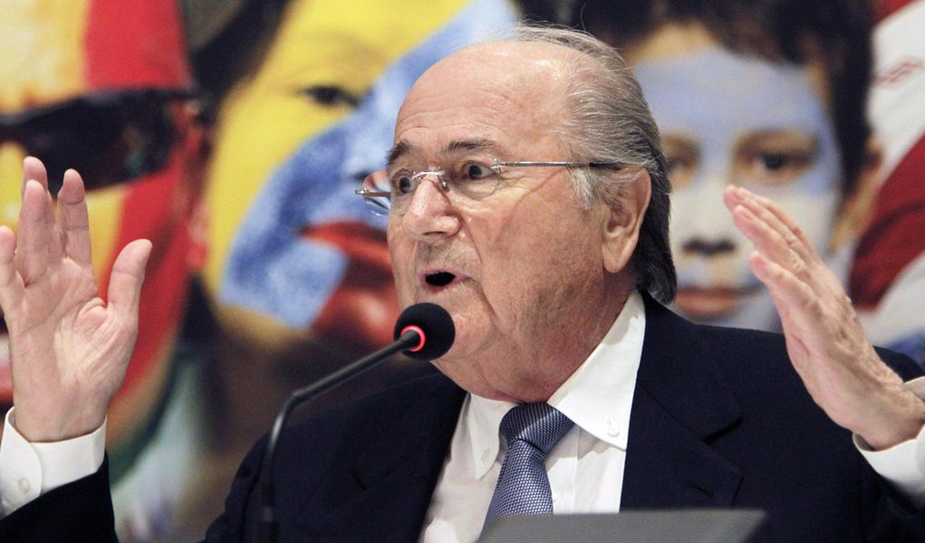 Blatter quer tecnologia em campo já na Copa de 2014