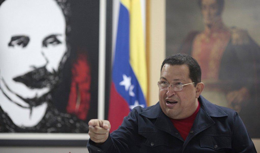 Chávez confirma câncer e diz que começará radioterapia em breve