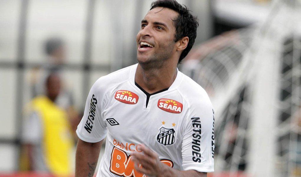 Santos vence Corinthians