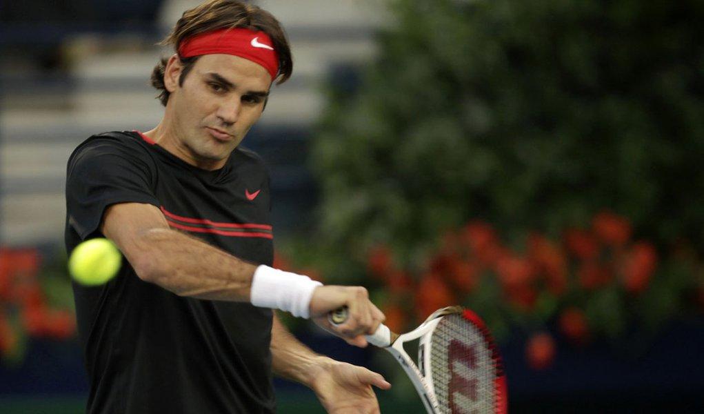 Federer vence Youzhny e avança às semifinais em Dubai