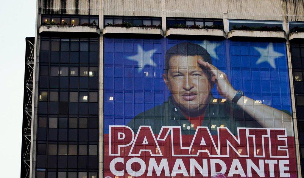 Chávez avisa que se prepara para levantar voo como um condor