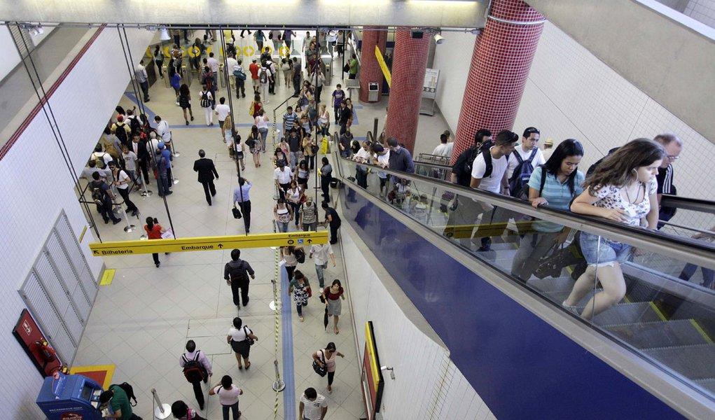 Paralisação no metrô de SP afeta 16 mil pessoas