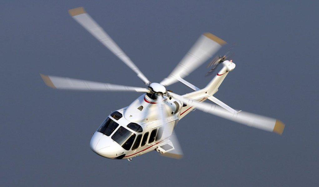 Helicóptero da Guarda Costeira dos EUA cai e mata um