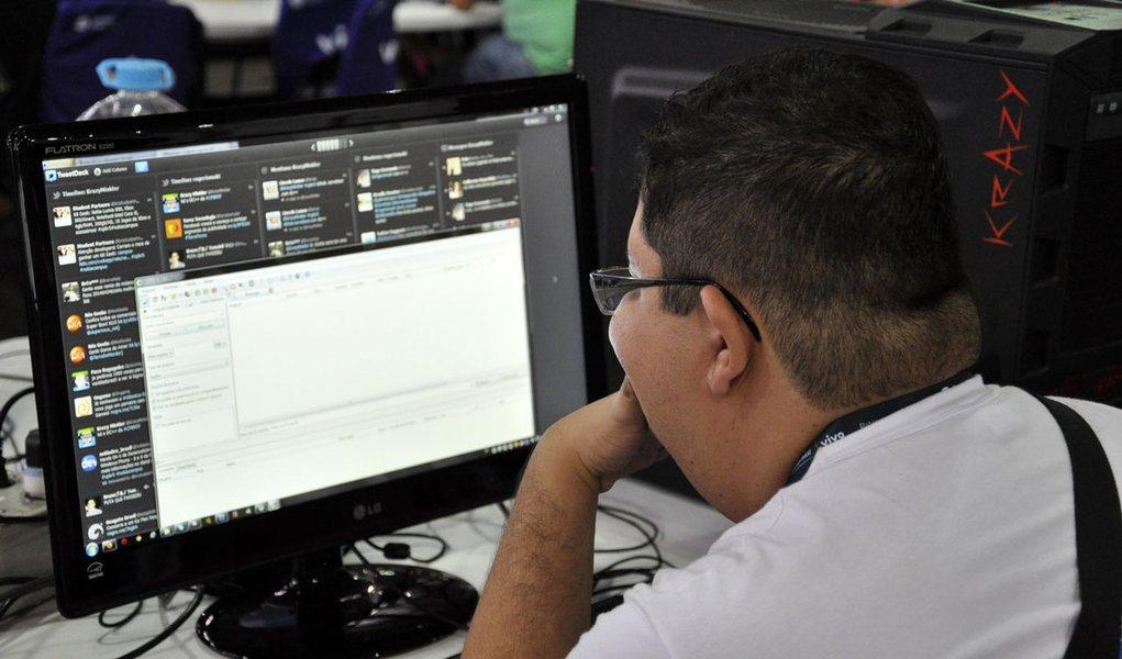 Síndrome da Visão do Computador atinge 15% dos brasileiros