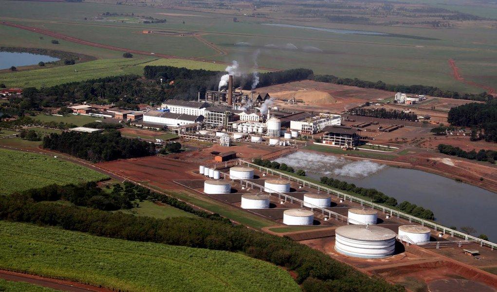 Governo tenta controlar preço do etanol