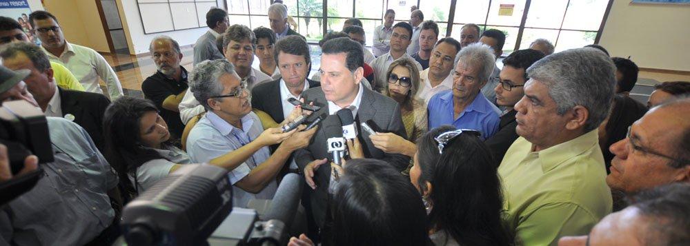 Perillo anuncia repasse de R$ 20 mi a municípios