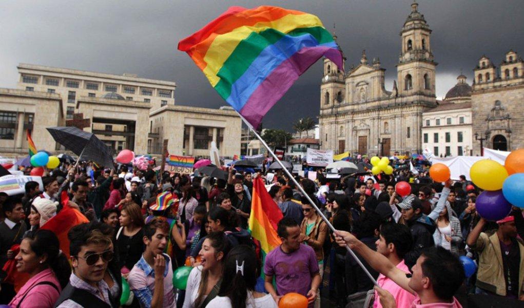 Senado colombiano rejeita lei sobre casamento gay