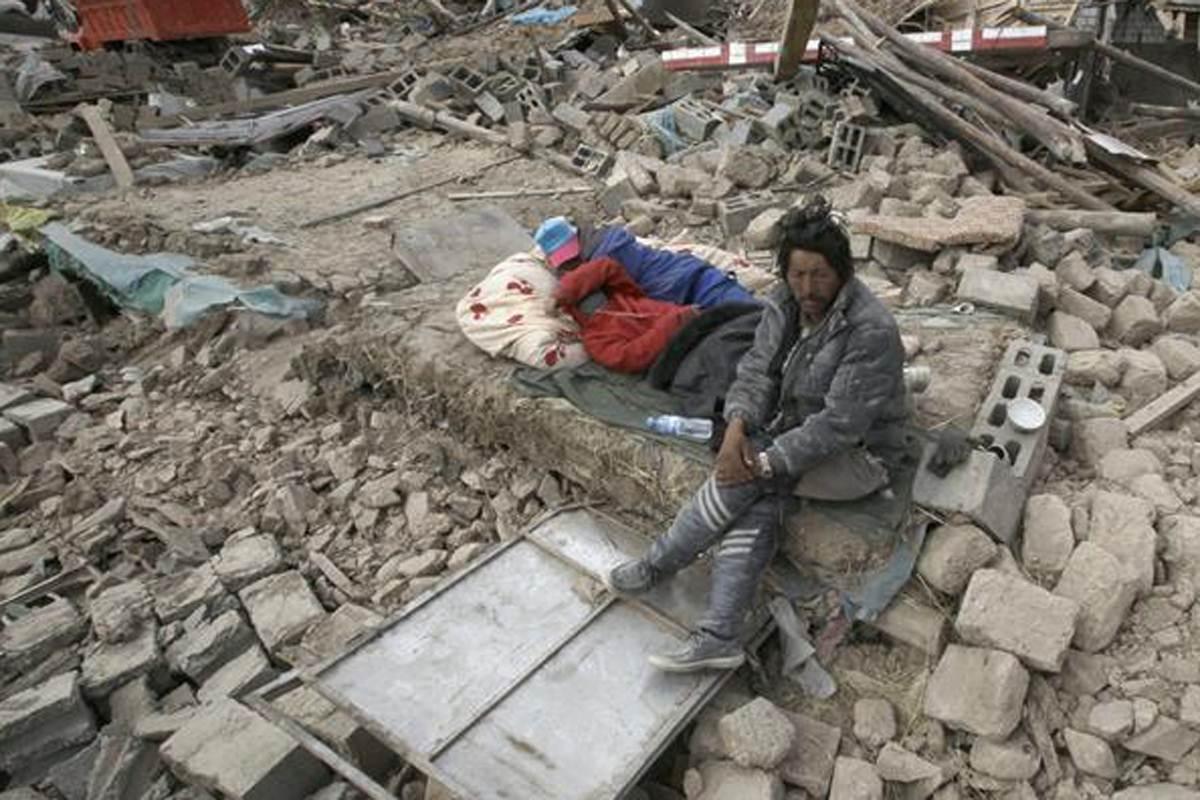 Terremoto mata 156 na China e fere 5,5 mil