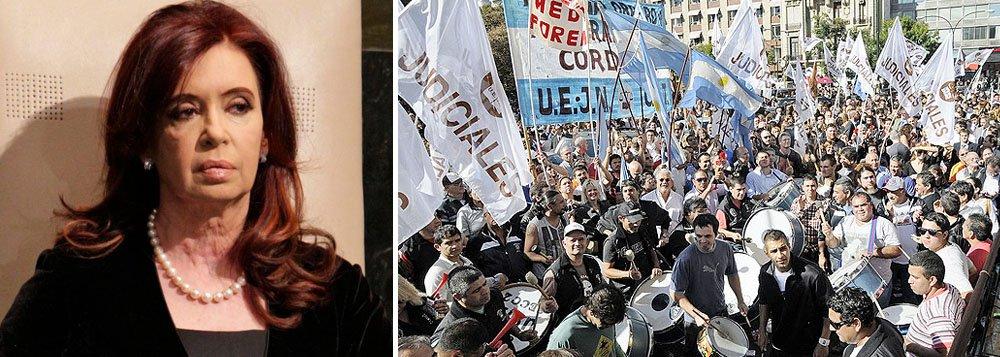 Milhares de argentinos saem às ruas contra Cristina Kirchner