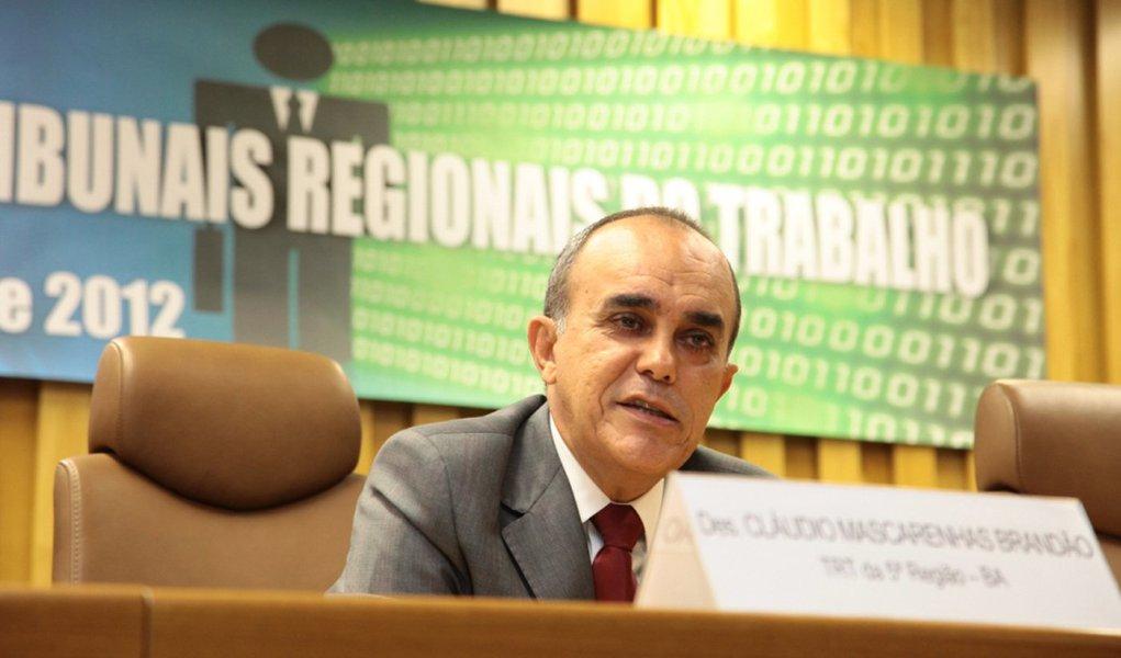 Senado aprova baiano Cláudio Brandão para o TST