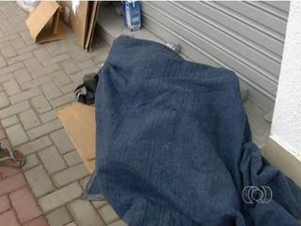 Outro morador de rua é assassinado em Goiânia
