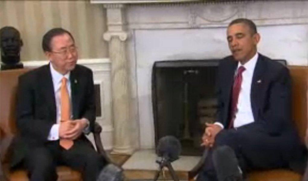 """Obama pede fim de """"atitude beligerante"""" a Coreia do Norte"""