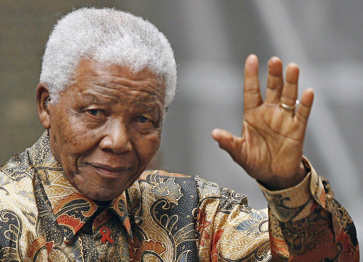Mandela recebe alta e será tratado em casa