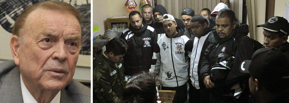 Marin vai tratar de torcedores detidos na Bolívia