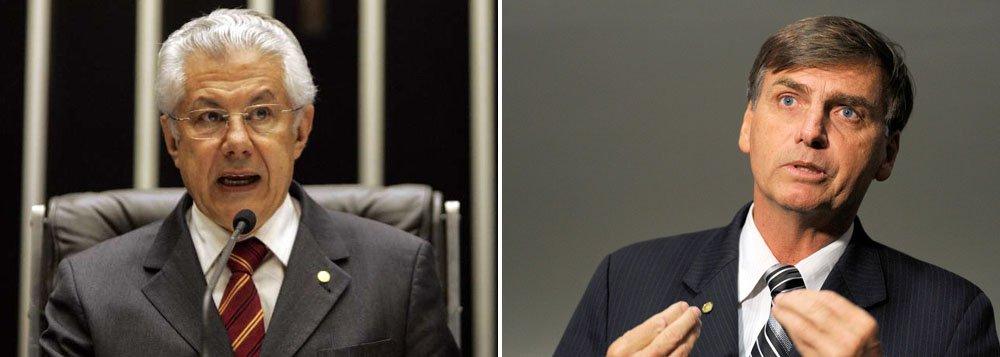 Chinaglia: Bolsonaro merece 'o lixo'