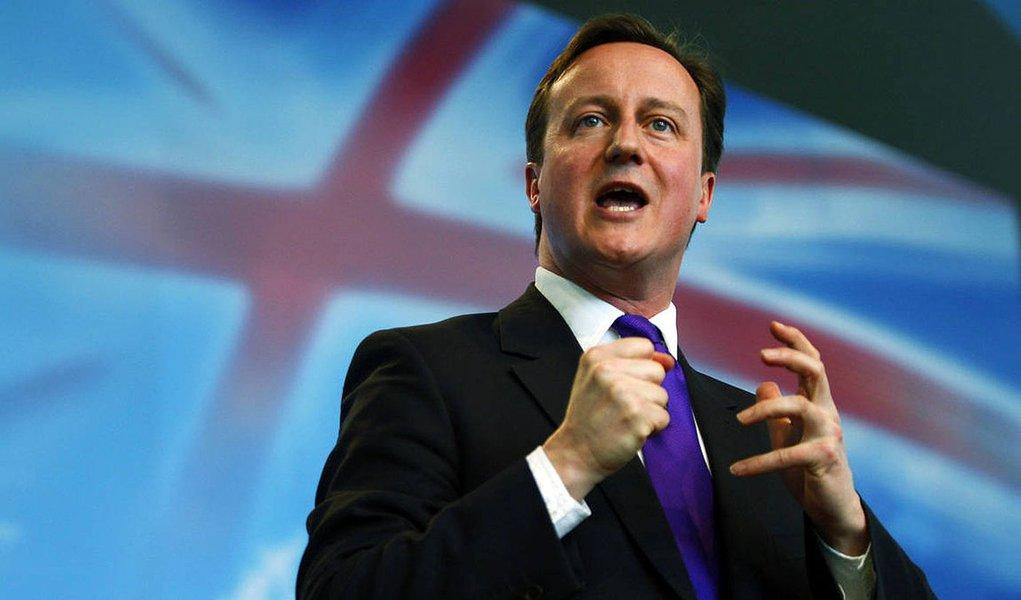 Reino Unido restringe acesso a benefícios sociais