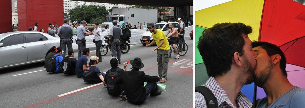 Manifestantes organizam beijaço contra Feliciano