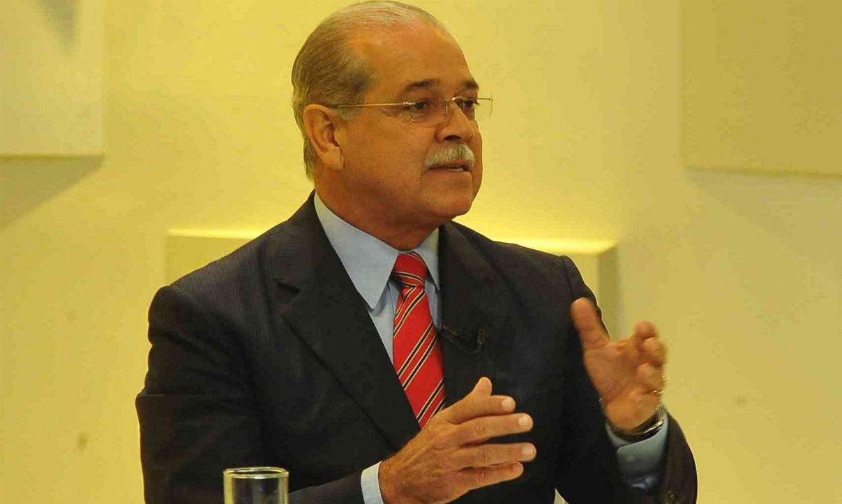 Governo elogia atuação de ex-opositor no BB