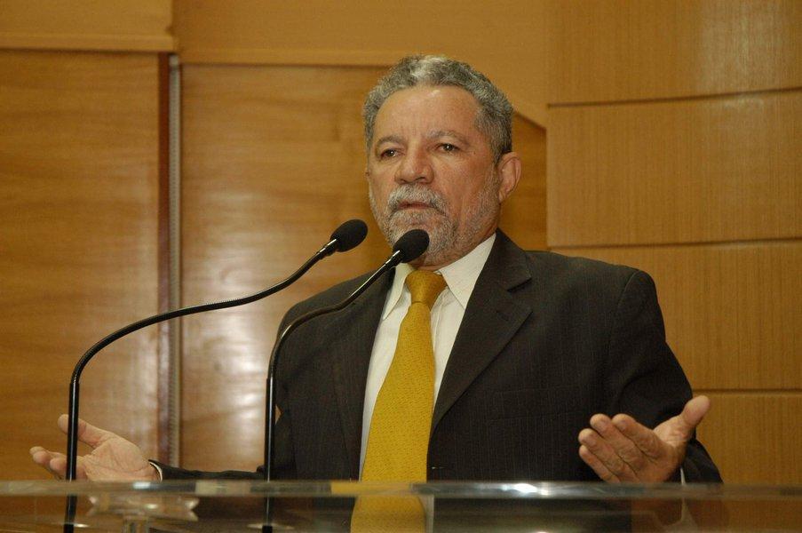Ex-líder do Governo Déda, Gualberto grava CD para ajudar instituição