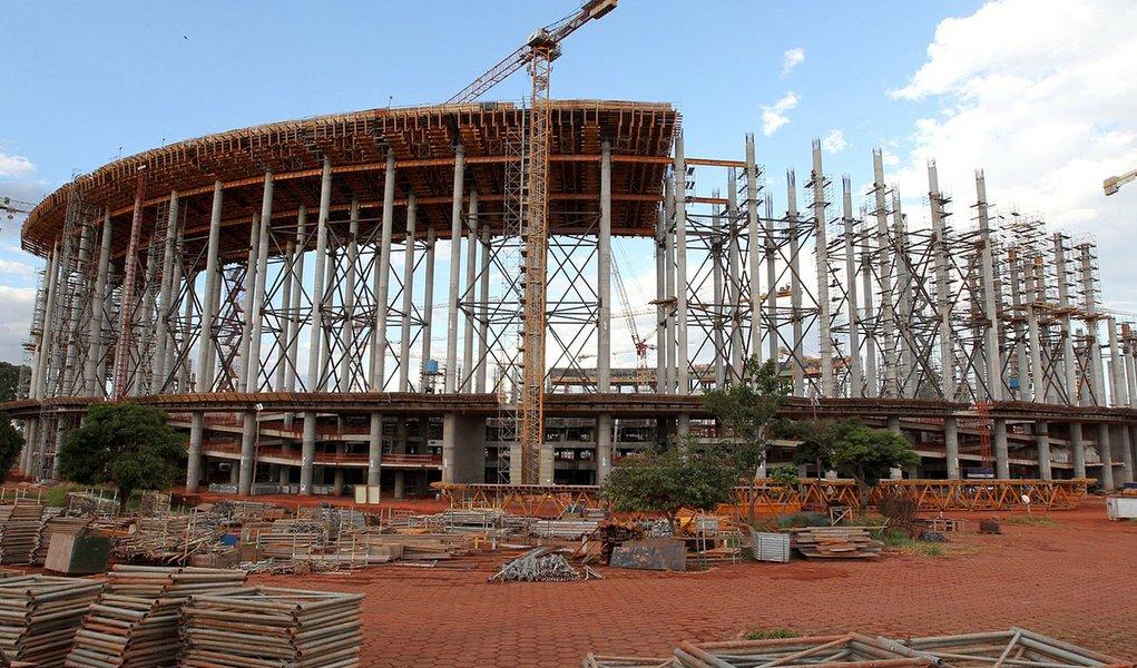 Brasília pede ajuda da ONU para concluir estádio da Copa