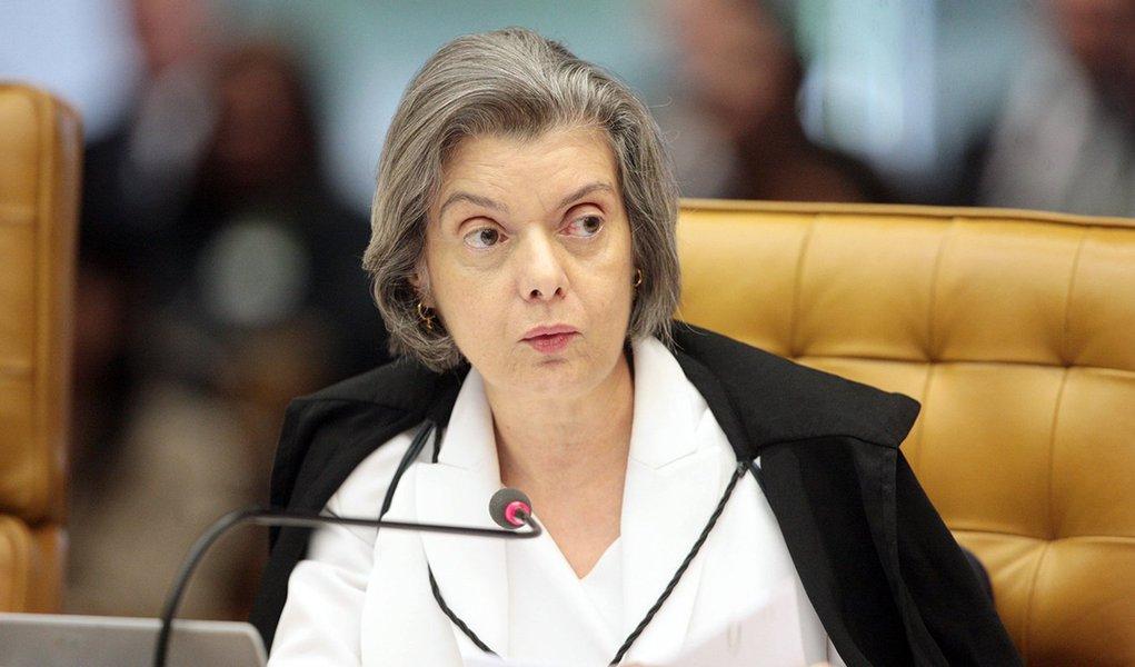 Cármen Lúcia pede informações sobre royalties