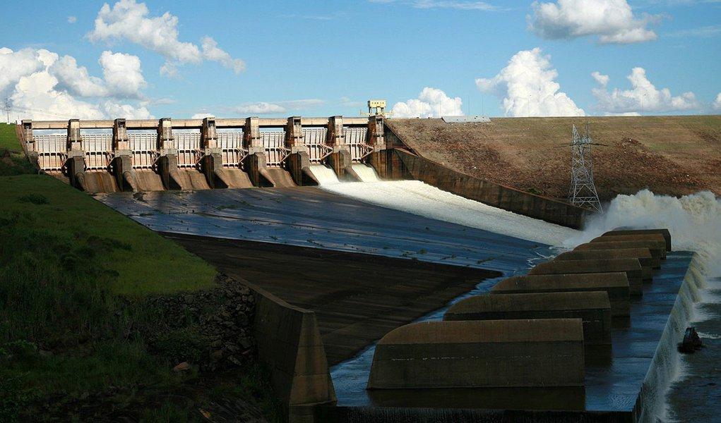 Brasil pode prevenir crise energética, diz comitê
