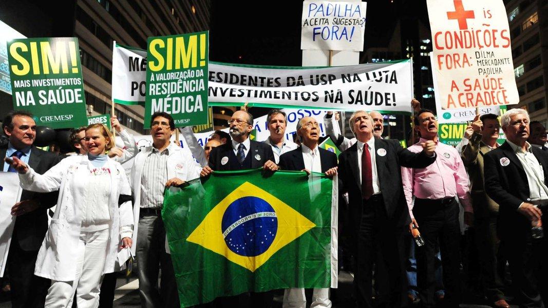Médicos questionam na Justiça R$ 17 bi para Saúde